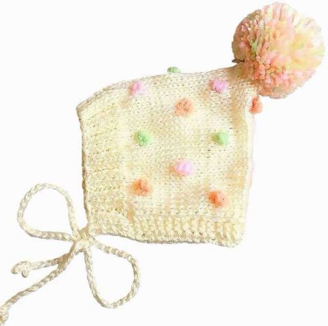 (予約オーダー:発送11月中旬)6か月~4歳 手編みボンネット帽バブルOff White(colorful ボンボン)