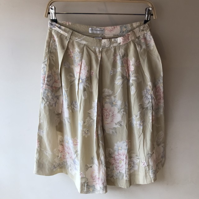 vintage flower silk short pants