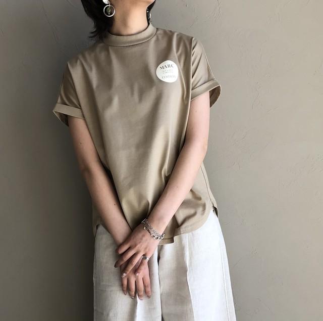 【 QTUME 】- 110-25056 - モックネックプリントT