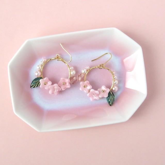 桜フープピアス リーフ付