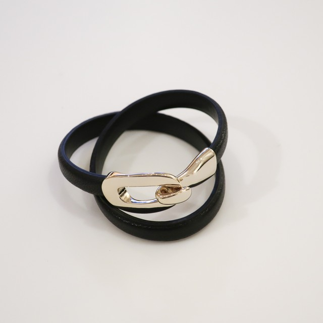 Rock Enclose Leather - Bangle / Black