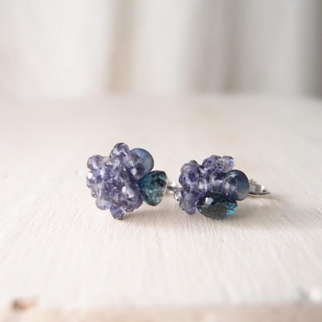 【天然石の刺繍イヤリング】londonbluetopaz × iolite × bluesapphire