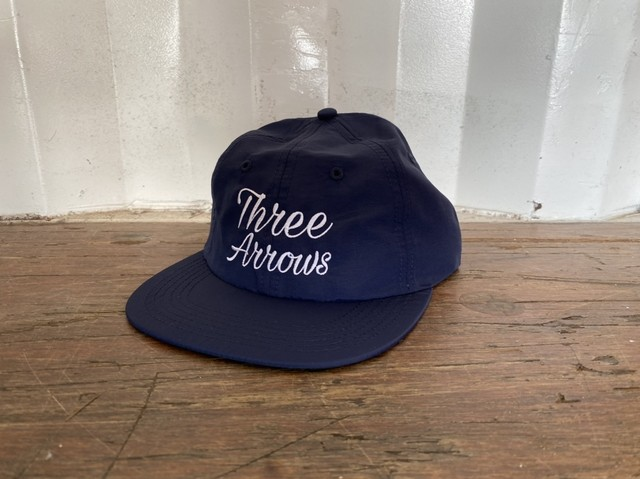 ThreeArrows Heart logo CAP (white×blue)