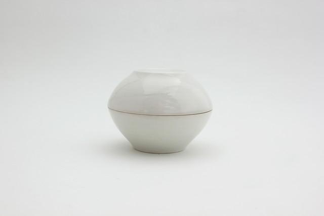 阿部春弥・白磁蓋物・双sou(小)