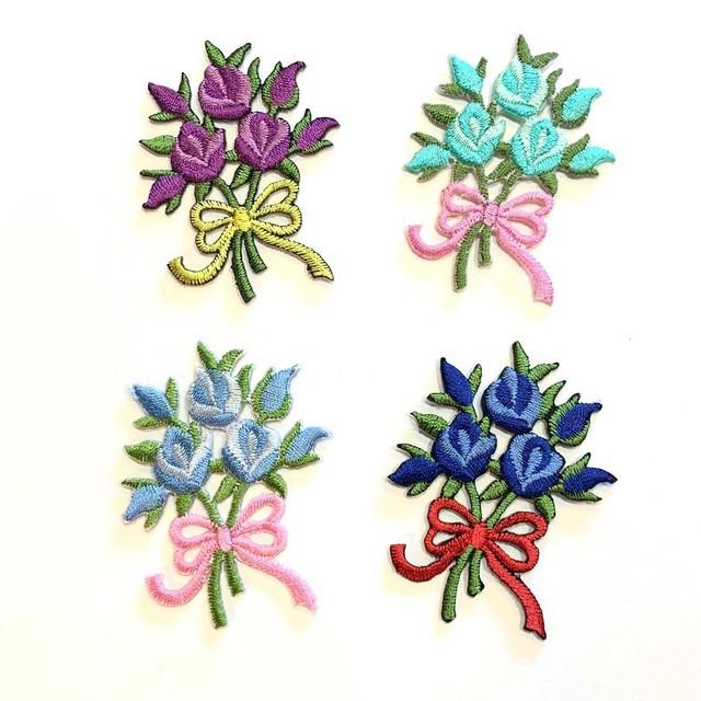 花束のワッペン(お花3つと蕾)
