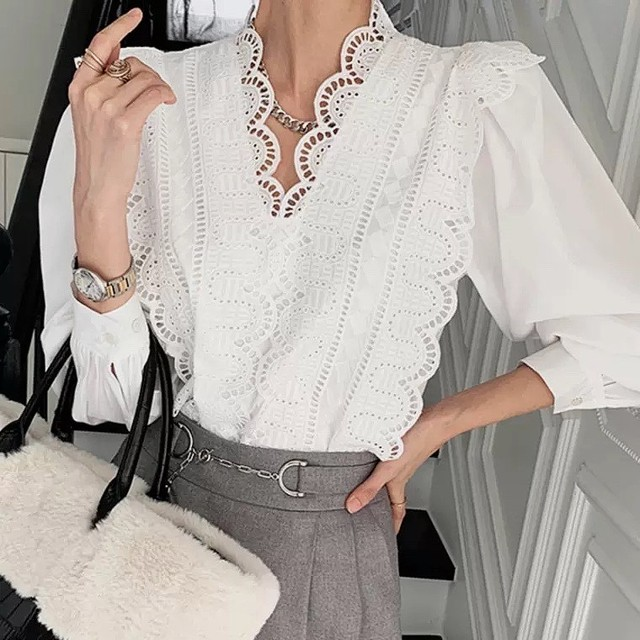 v lace tops