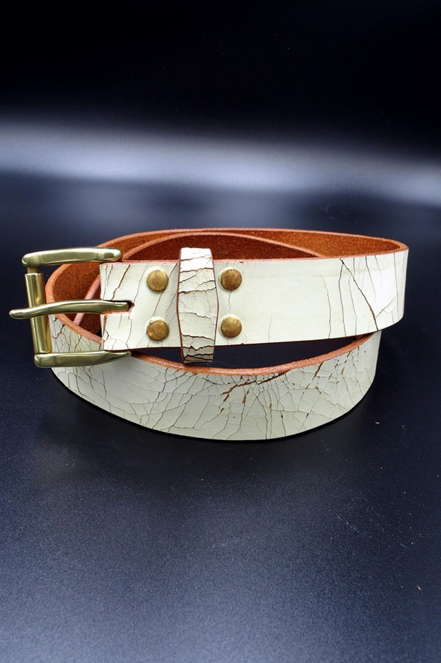 Item No.0231 :White CrackingLeather Belt