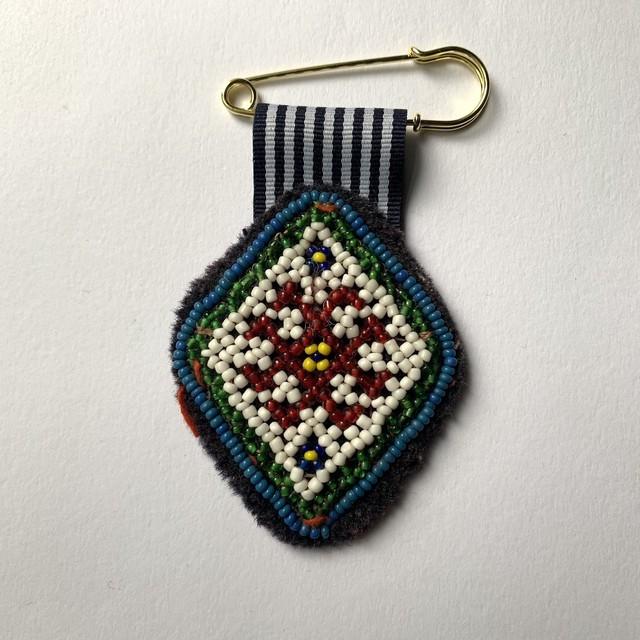 [Trophy] Hand Needle Brooch _14(ヴィンテージ ハンドメイド 刺繍ブローチ)