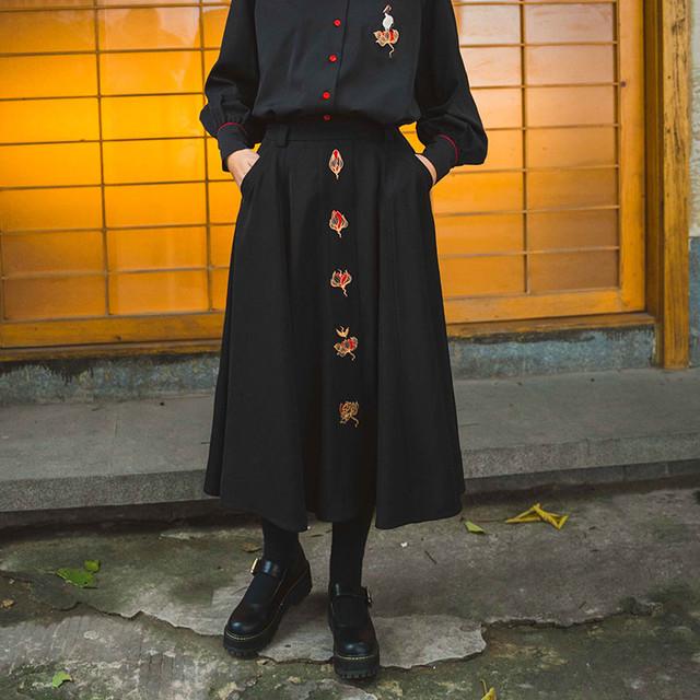 チャイナ風スカート エスニック風 民族風 ボトムス ロング丈 改良唐装 改良漢服 可愛い 中華服 刺繍入り ブラック 黒い M L