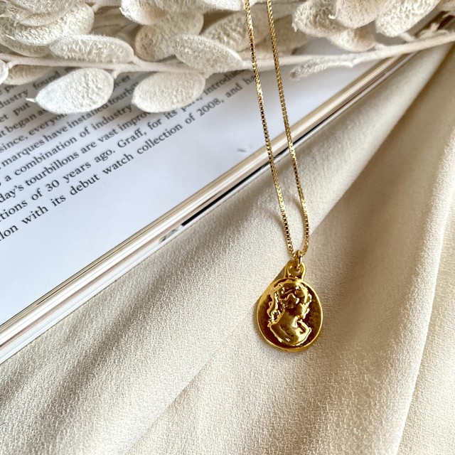 simple coin  necklace