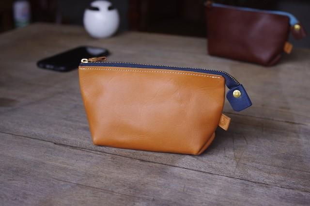 pouch medium (CAMEL×NAVY)