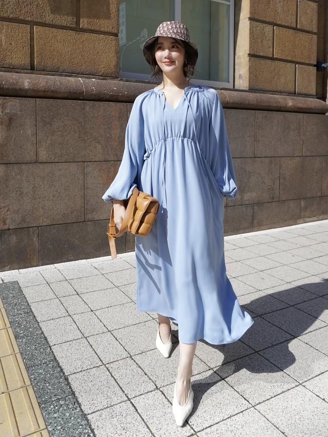 【予約】volumy drape dress / blue (4月上旬より順次発送予定)