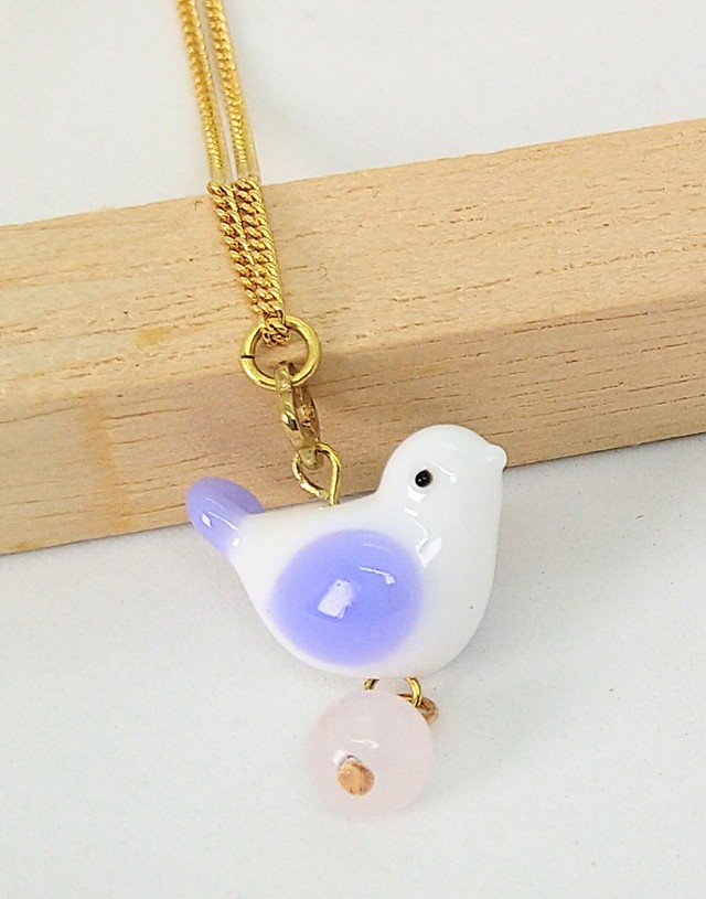【mami】薄紫の小鳥とローズクォーツネックレス