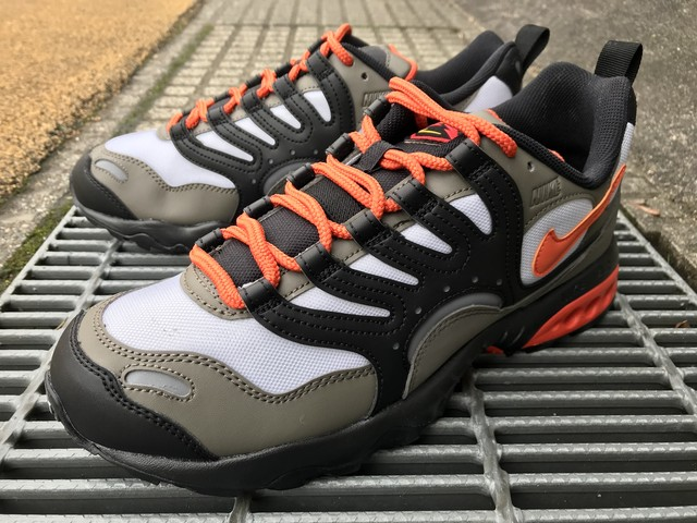 NIKE AIR TERRA HUMARA (OLIVE GREY/DEEP ORANGE-BLACK)