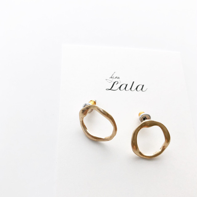 """ by no. Lala "" circle pierce gold 1"