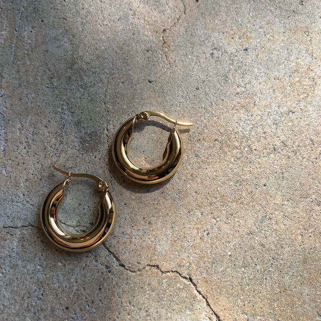 stainless gold hoop