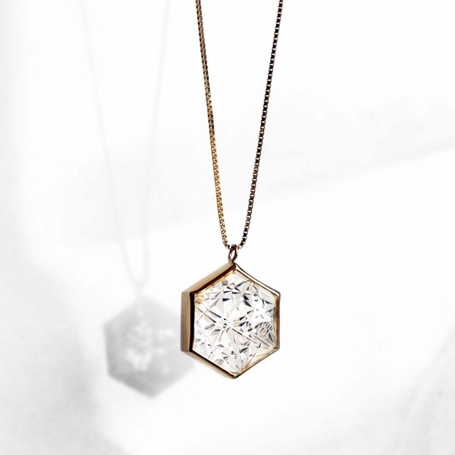 Quartz KIRIKO Necklace (Hexagon)