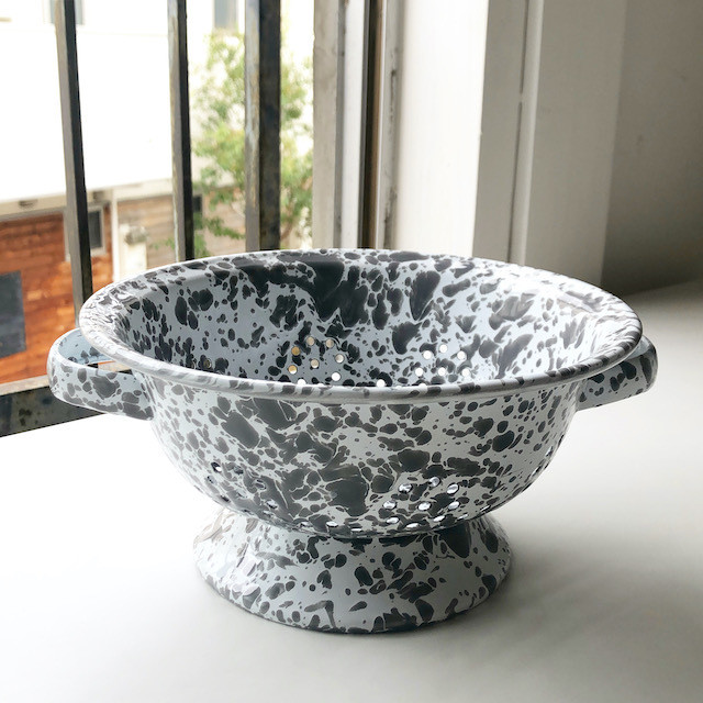 "CROW CANYON HOME ""BERRY COLANDER GYEY"" φ20cm"