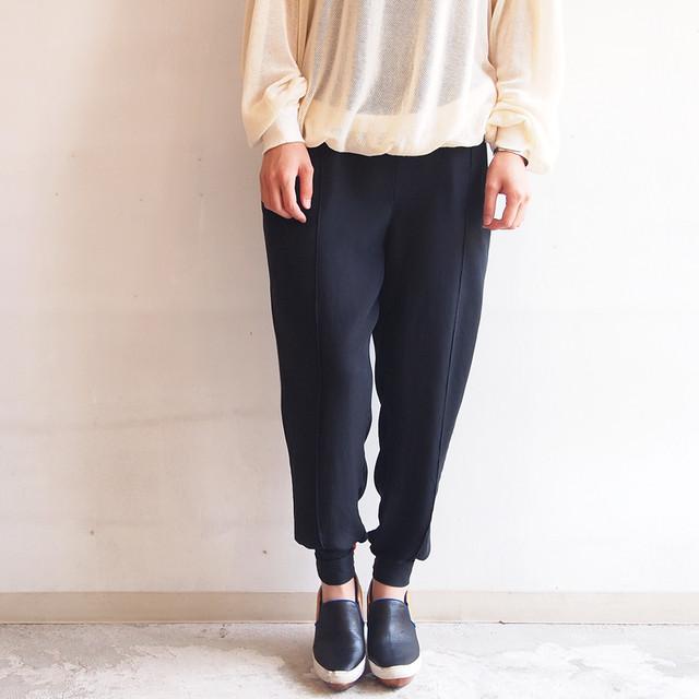 ■鯖江産シルクツイルのトラウザーパンツ/ブラック