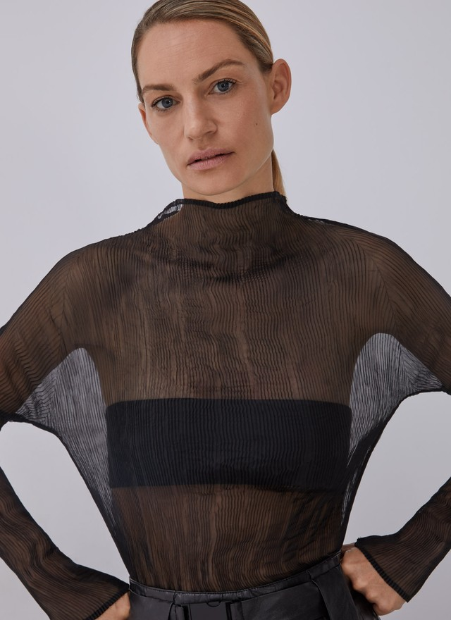 MESH TOP WITH HIGH NECK
