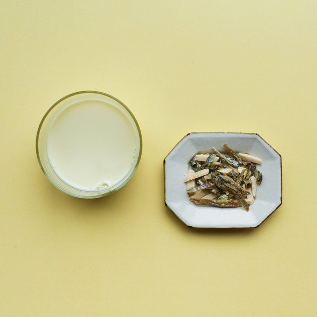TSUKIGASEYA snacks / 塩チーズカシューorアーモンド小魚