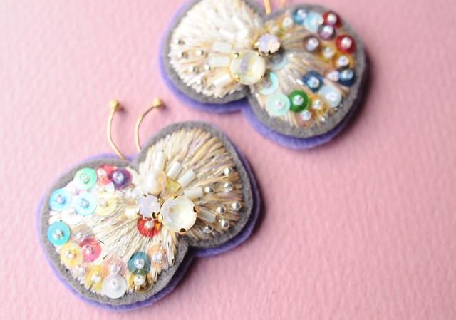 < Eternal Butterfly ~耳飾りの蝶~ >ナナイロの蝶★イヤリング
