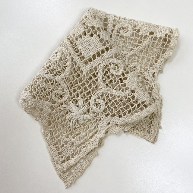 50's Vintage  Lace knitting Small Handkerchief 50's ヴィンテージ 鍵編み アンティークレース ハンカチーフ
