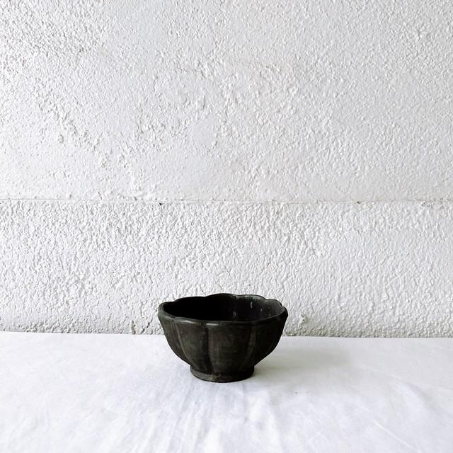 加藤祥孝 粉引・鉄釉3.5寸輪花深小鉢