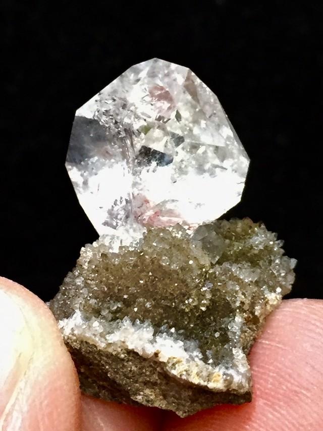 8) ニューヨーク・ハーキマー・ダイヤモンド母岩付き