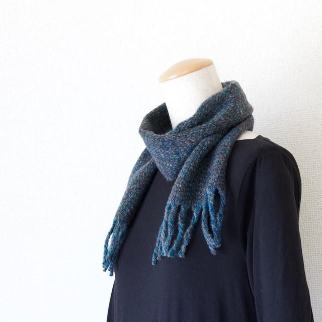 手紡ぎ手織りのマフラー〈やわらかタイプ〉(青緑・緯糸-茶黒)