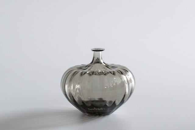 decorative vase no.1 / qualia-glassworks