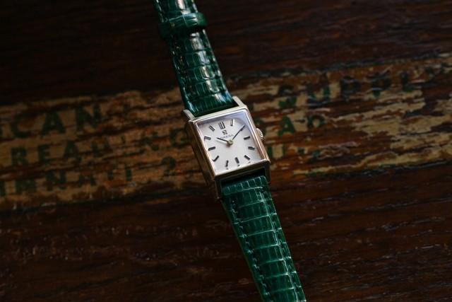 【OMEGA】 1960's タンク型 ミニレクタンギュラー 角型 2針 ゴールド 手巻き Vintagewatch / Deville/ Cal.483