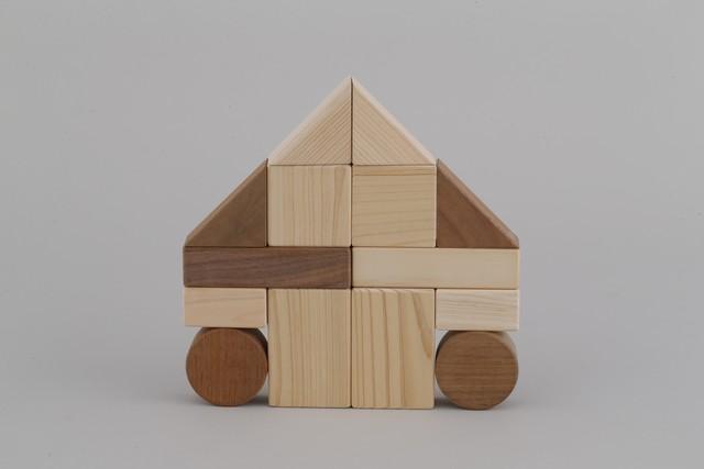 積み木 BUILDING BLOCKS
