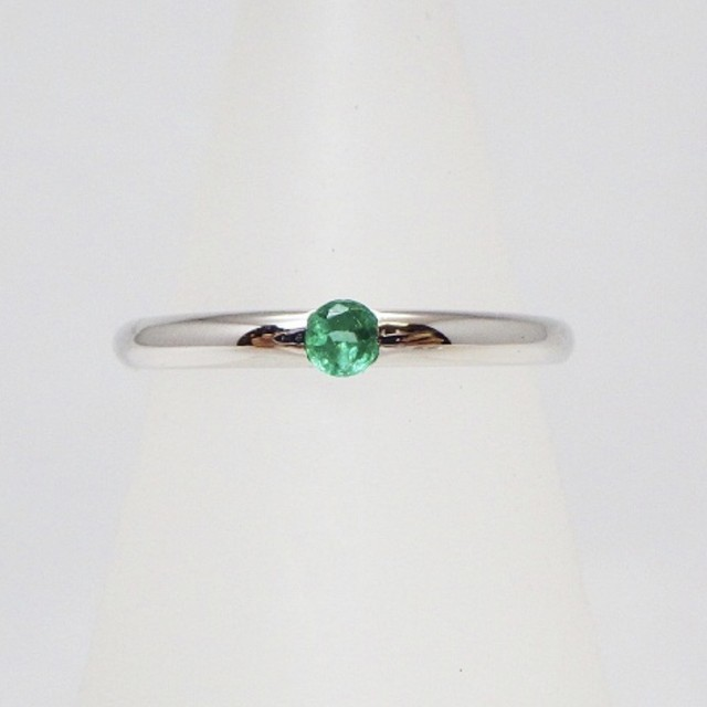 高品質一粒天然石❤︎ 天然 エメラルド✖️ダイヤモンド   シルバー925 リング 指輪