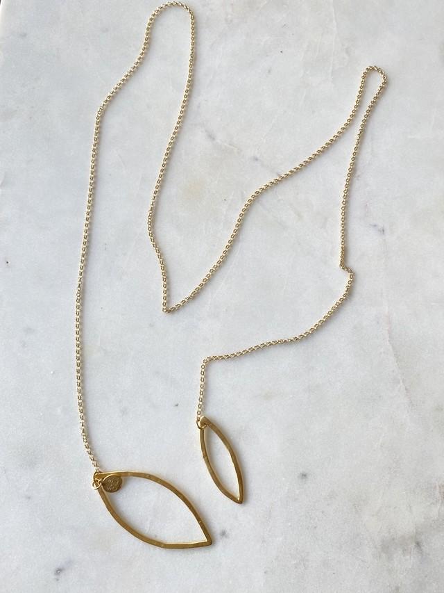 フランス リヨン発   色とりどりの半貴石のロングネックレス