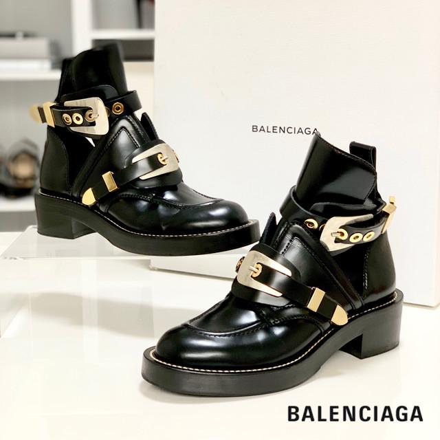 140 バレンシアガ サンチュール アンクルブーツ 黒
