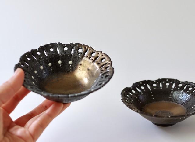 黒金透かし小鉢