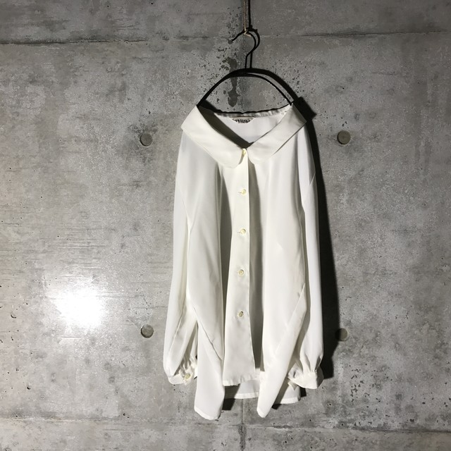 [used] pure white designed shirt
