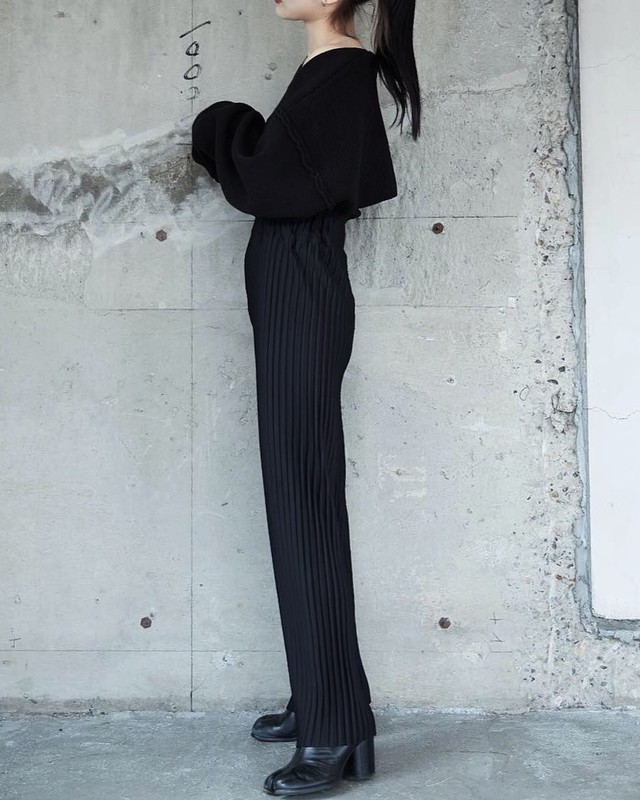 PLEATS HIGHWAIST STRAIGHT PANTS