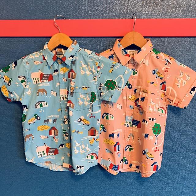 ほのぼのファーマズ柄のキッズアロハシャツ