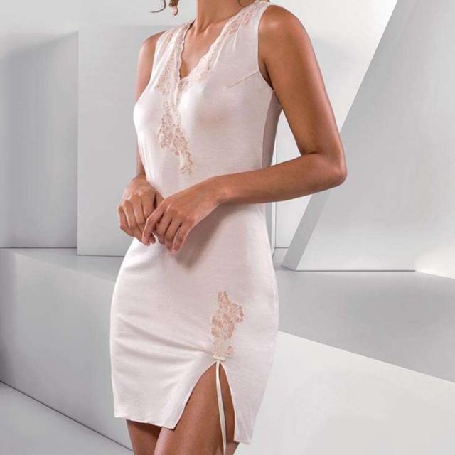 ナイトドレス