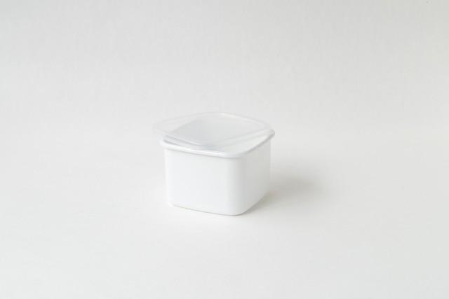 野田琺瑯 スクエアM シール蓋つき