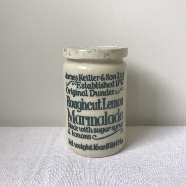 マーマレードのガラス瓶