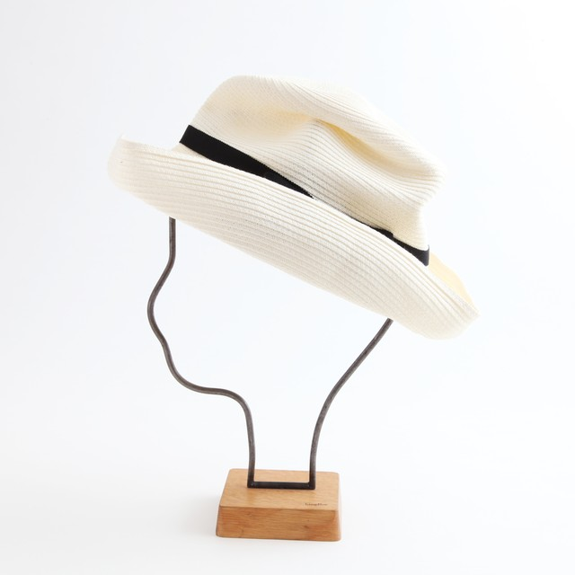 mature ha./BOXED HAT 101 white×black