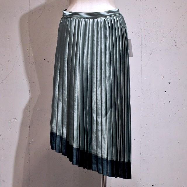 TAGE / アシンメトリープリーツスカート / Green × Dark Green