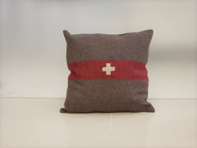 品番UC-002 Cushion [Large / European Military Blanket]