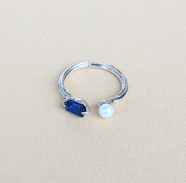 Pearl & Blue Spinel Ring