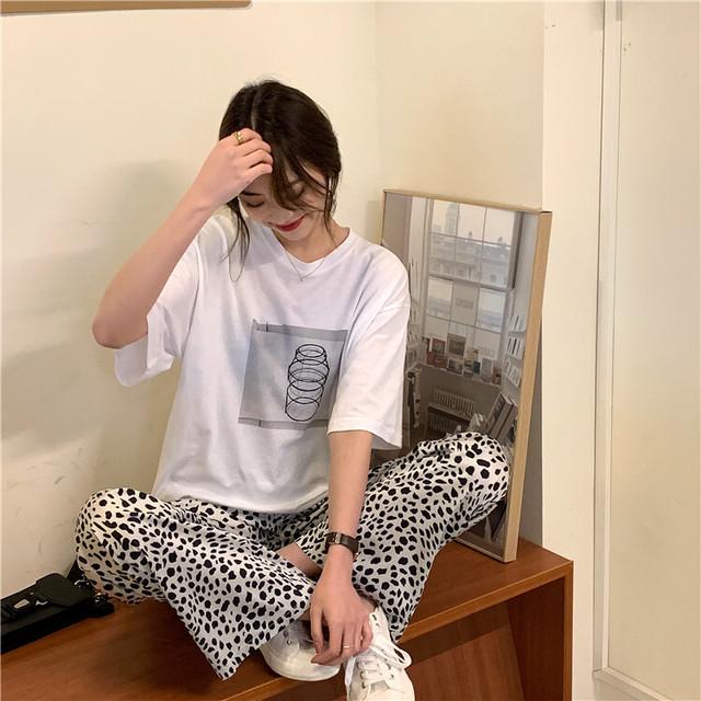 取り寄せ商品:フロントプリントTシャツ+レオパードパンツのセットコーデ