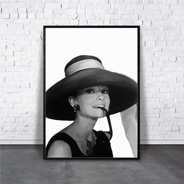 Audrey Hepburn / 【アートポスター専門店 Aroma of Paris】[AP-000158]