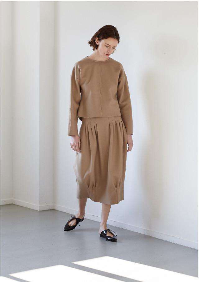 Waist tuck cocoon skirt